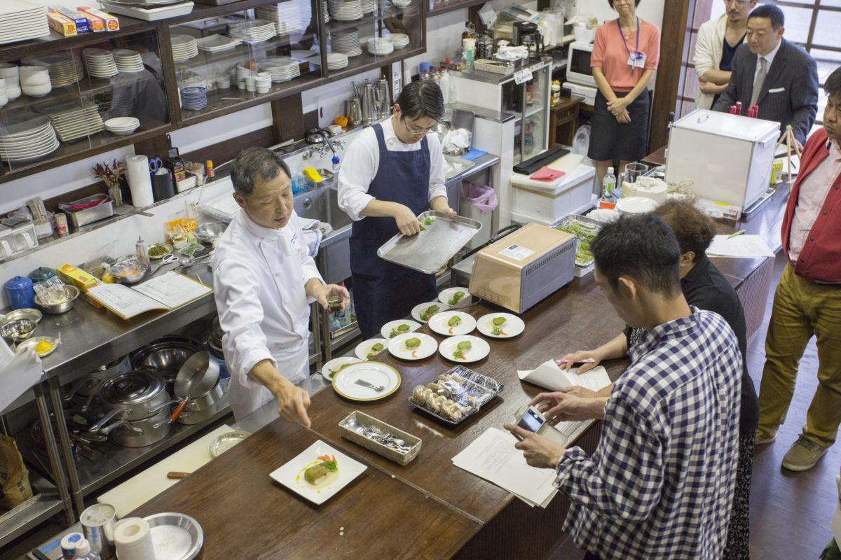 プロ料理人向け調理講習会を実施