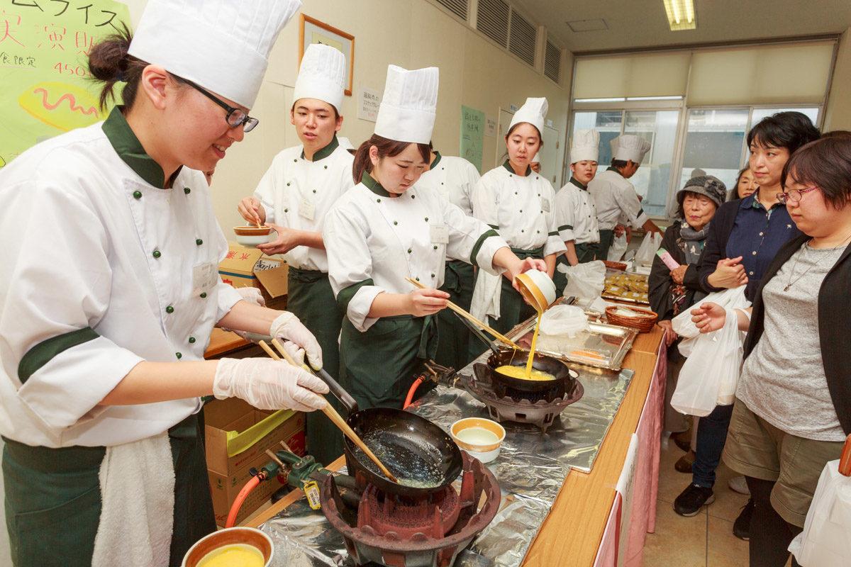 調理製菓専門学校で学校祭開催