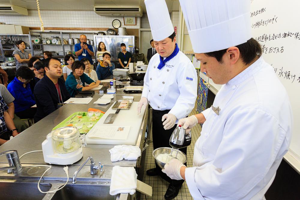 函館のこだわり食材「夏の鱈」を使った料理実演講習会
